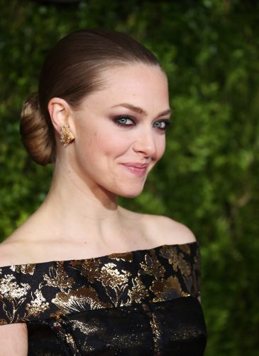 NEW YORK, NY - JUNE 07: Amanda Seyfried attends the 2015 Tony Awards at Radio City Music Hall on June 7, 2015 in New York City. (Photo by Walter McBride/WireImage)