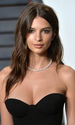 Get the Look:Emily Ratajkowski at the Oscars Parties